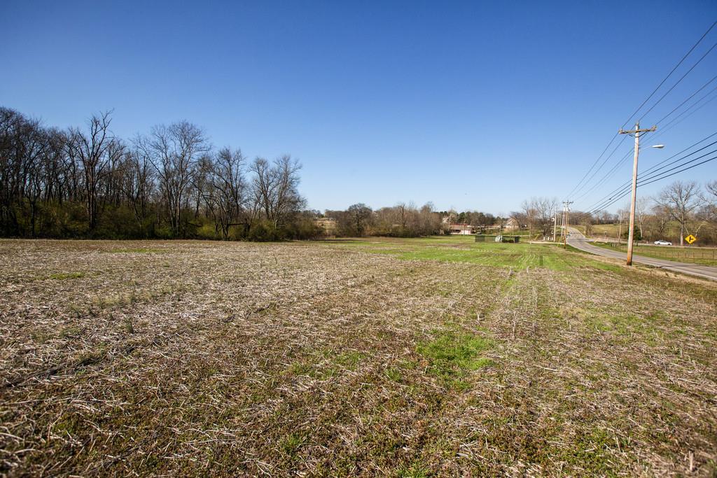 825 Beechcroft Rd Spring Hill, TN 37174