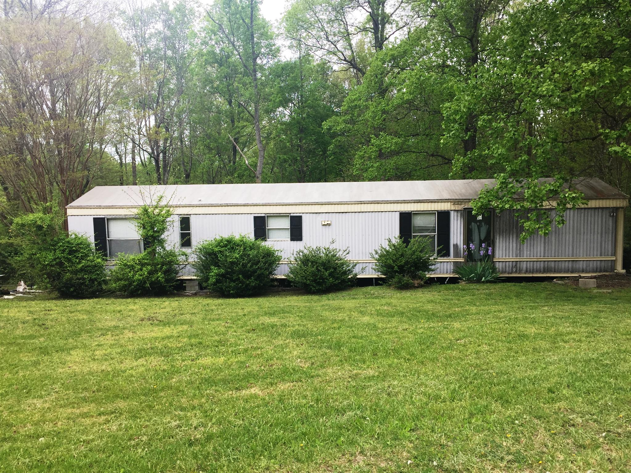 1626 Cc Rd Kingston Springs, TN 37082