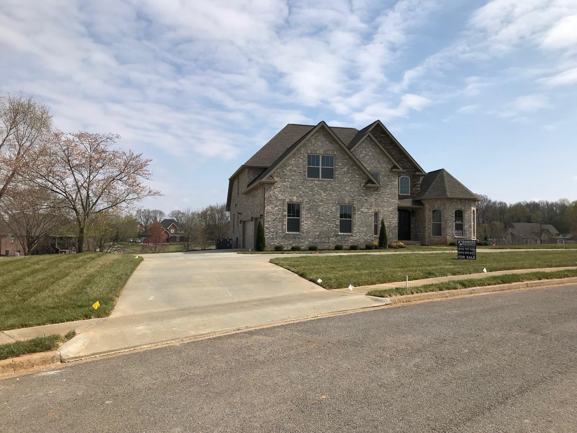 Hardwood floor homes for sale in clarksville real estate for Flooring clarksville tn