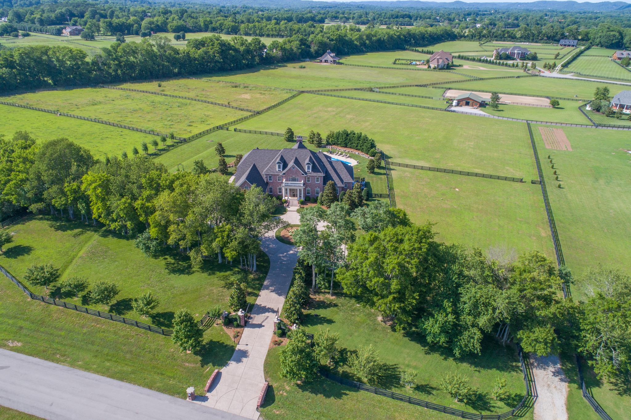 1504 Starlight Ln, Franklin in Williamson County County, TN 37069 Home for Sale