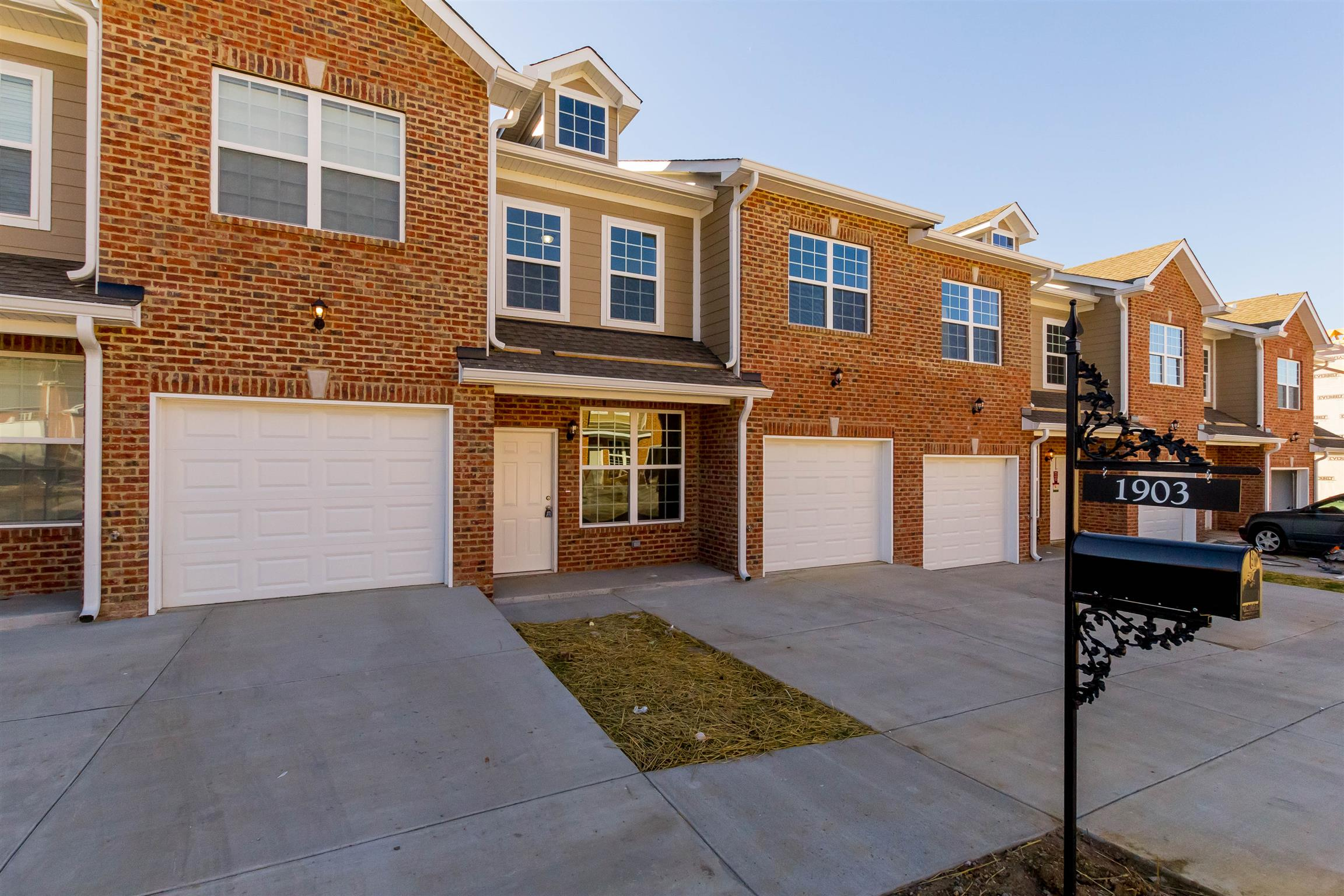 1603 Villa Cir, one of homes for sale in Lebanon