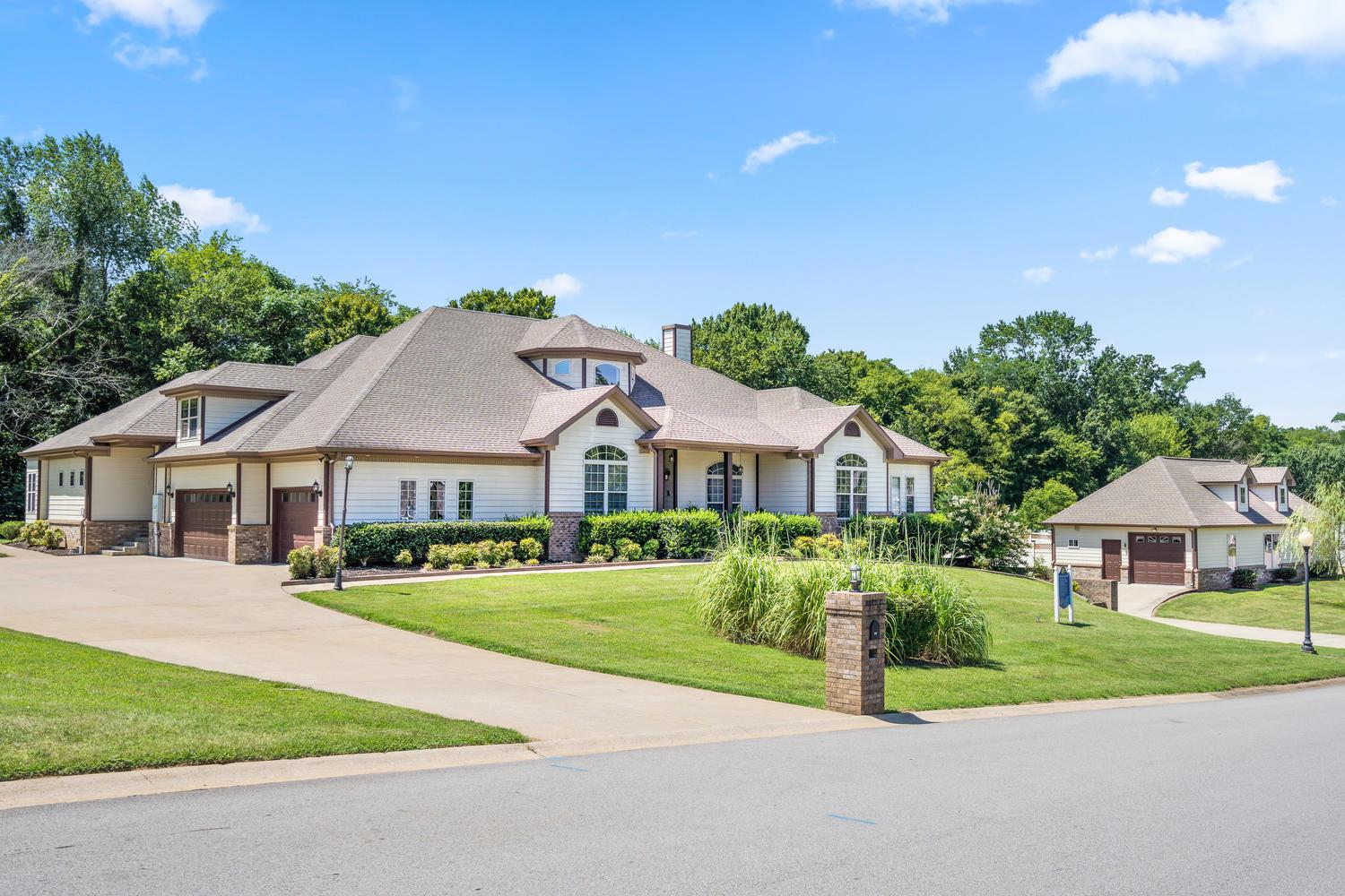 1590 Rembrandt Dr, Fort Campbell in Montgomery County County, TN 37040 Home for Sale