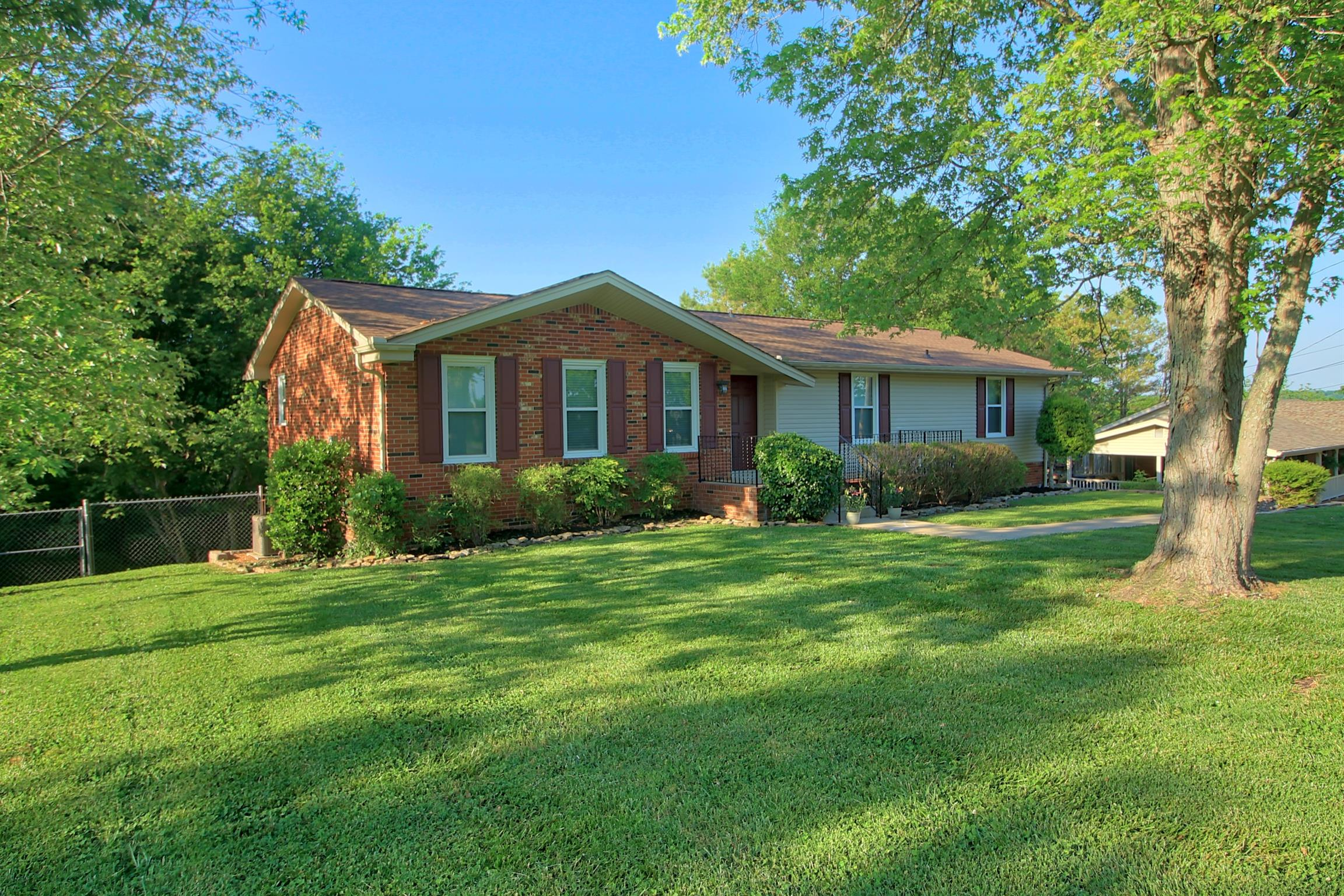 403 Isaac Dr, Goodlettsville in Davidson County County, TN 37072 Home for Sale