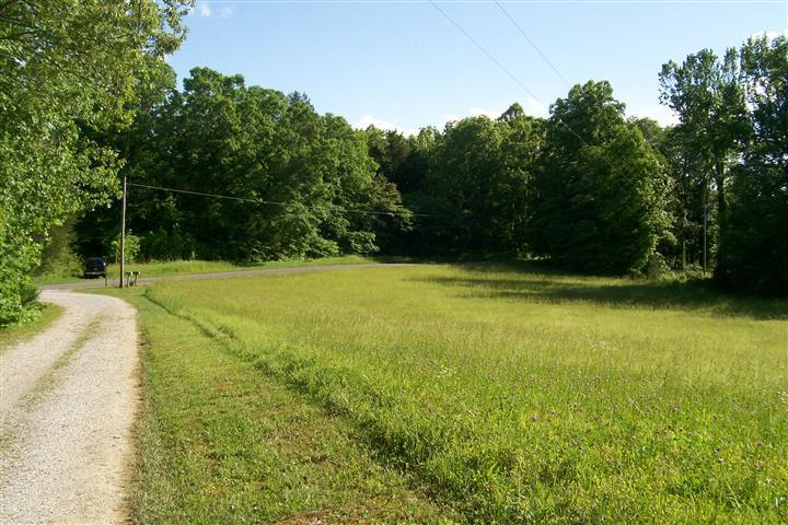 273 Pates Ford Road Walling, TN 38587