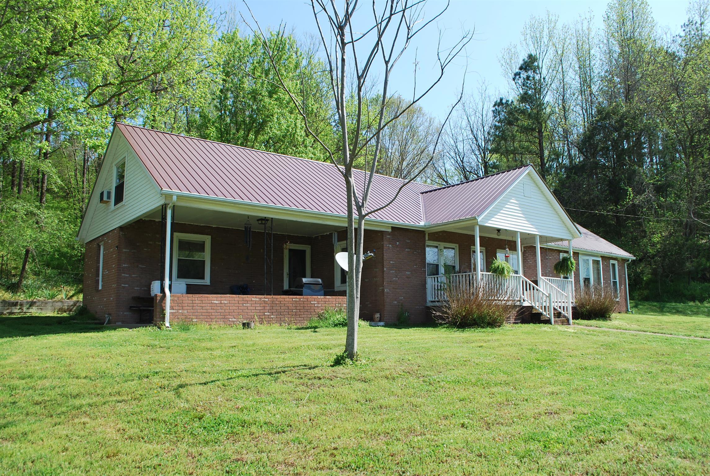 2860 E Beaverdam Rd Centerville, TN 37033