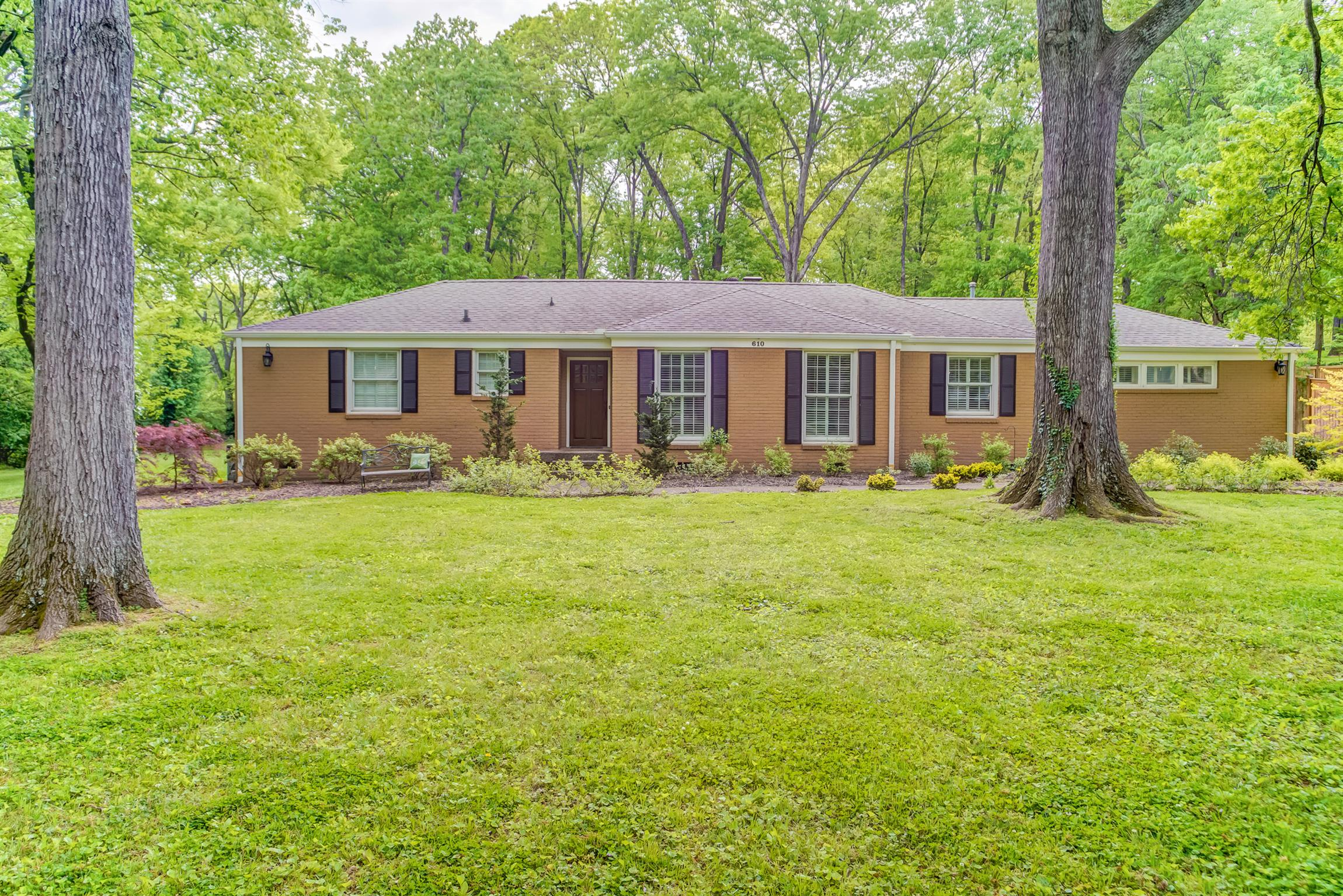 610 Brook Hollow Rd Nashville, TN 37205