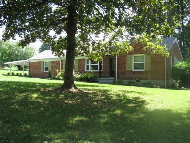 New Listings property for sale at 108 Royal Oak Drive, Dickson Tennessee 37055