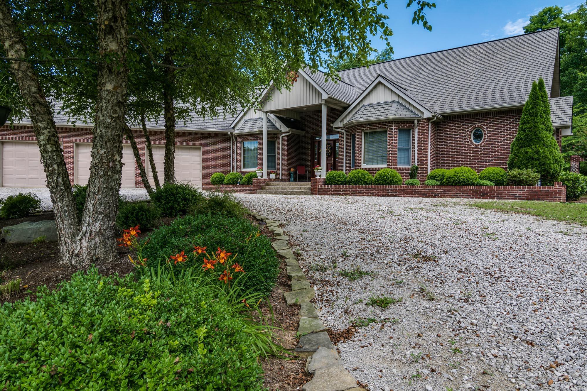 376 Magnolia Lane Allons, TN 38541