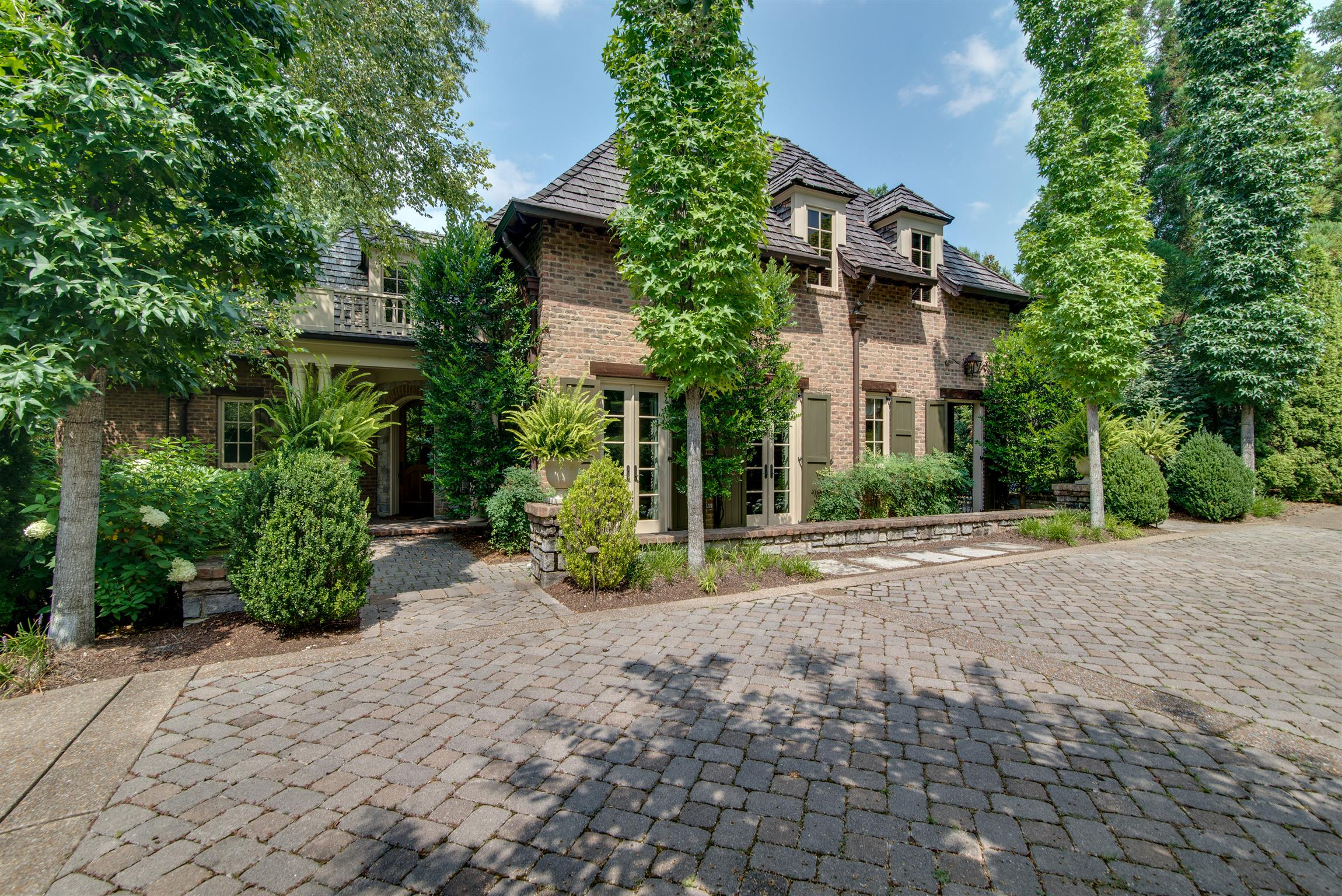 504 Westview Ave, one of homes for sale in Belle Meade