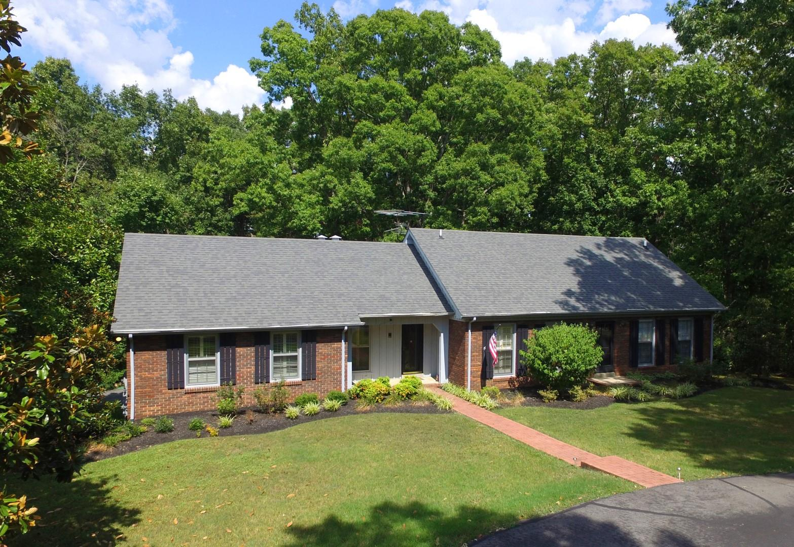 115 Freda Lane Burns, TN 37029
