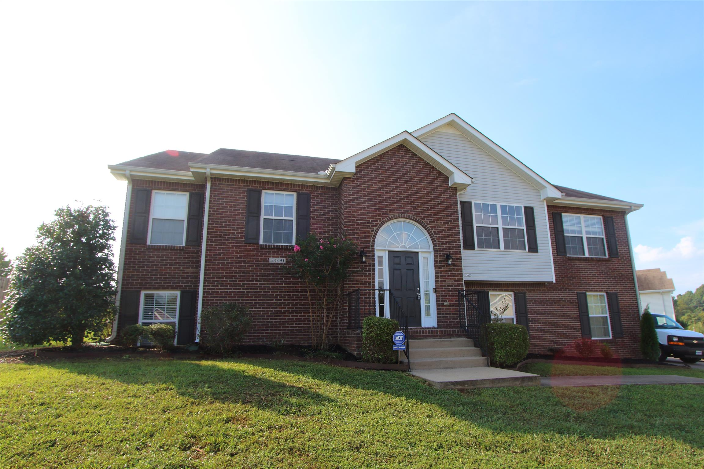 3409 Quicksilver Ln, Fort Campbell, Tennessee