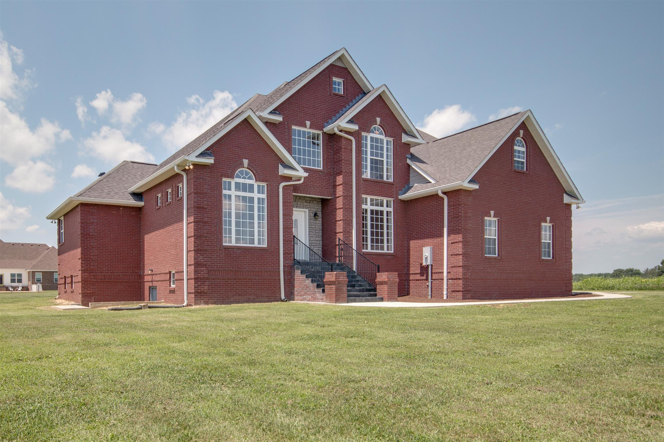 177 Richland Hills Dr, Manchester, Tennessee
