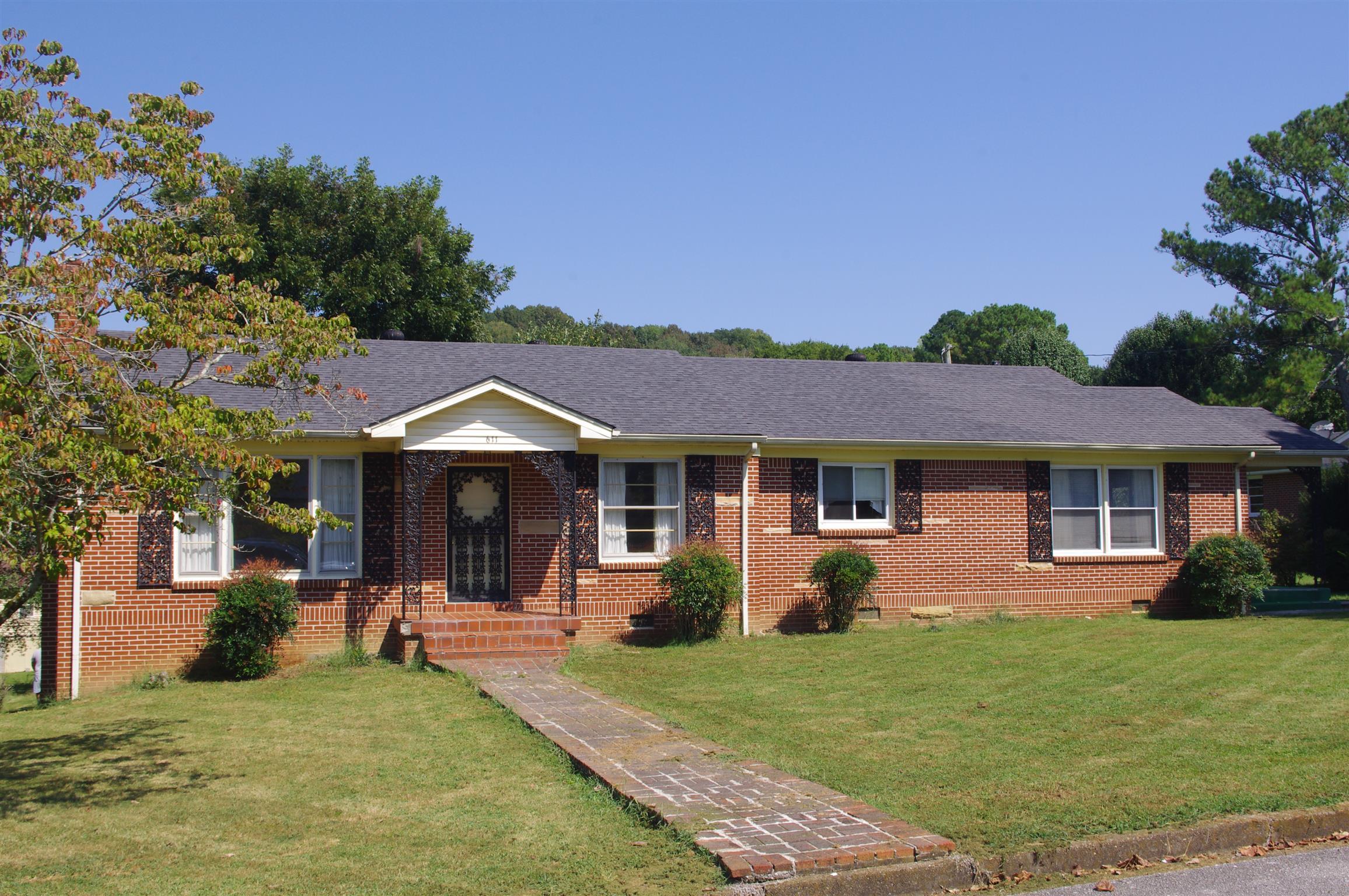 611 Jackson Ave Carthage, TN 37030