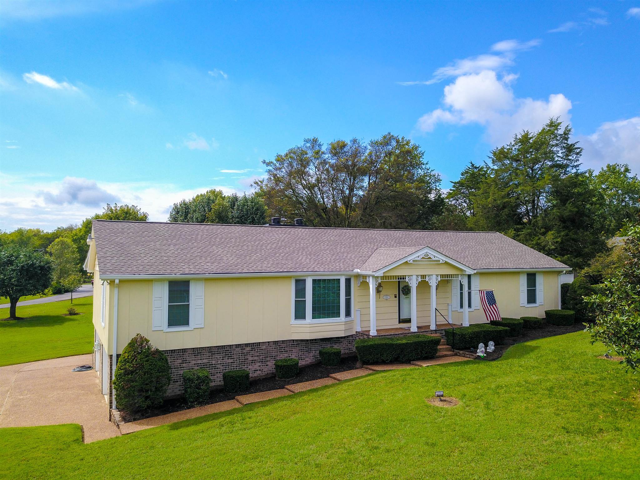 156 Bluegrass Dr Hendersonville, TN 37075