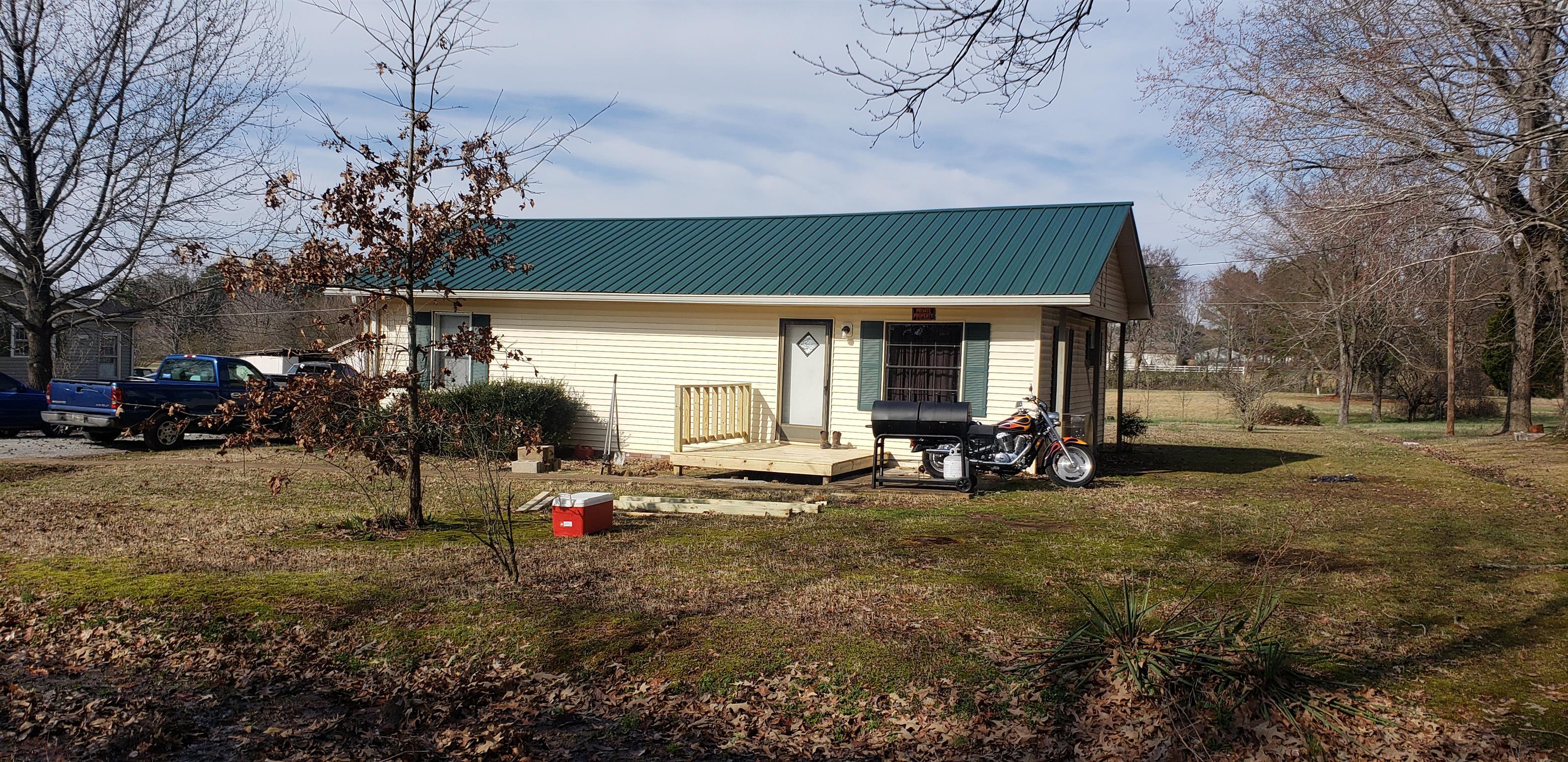 284 Watts Rd New Johnsonville, TN 37134