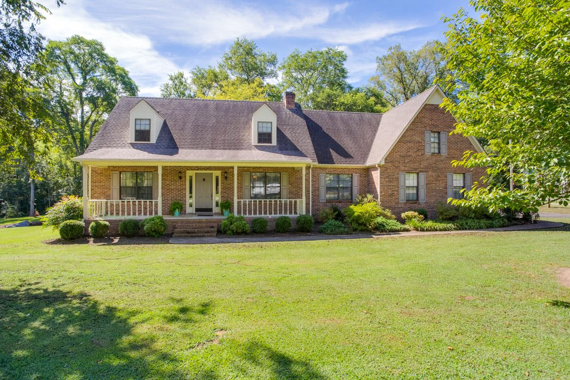 Enjoyable 202 Elliott Ct Columbia Tn 38401 Home For Sale Mls 1980145 Realtytrac Download Free Architecture Designs Scobabritishbridgeorg