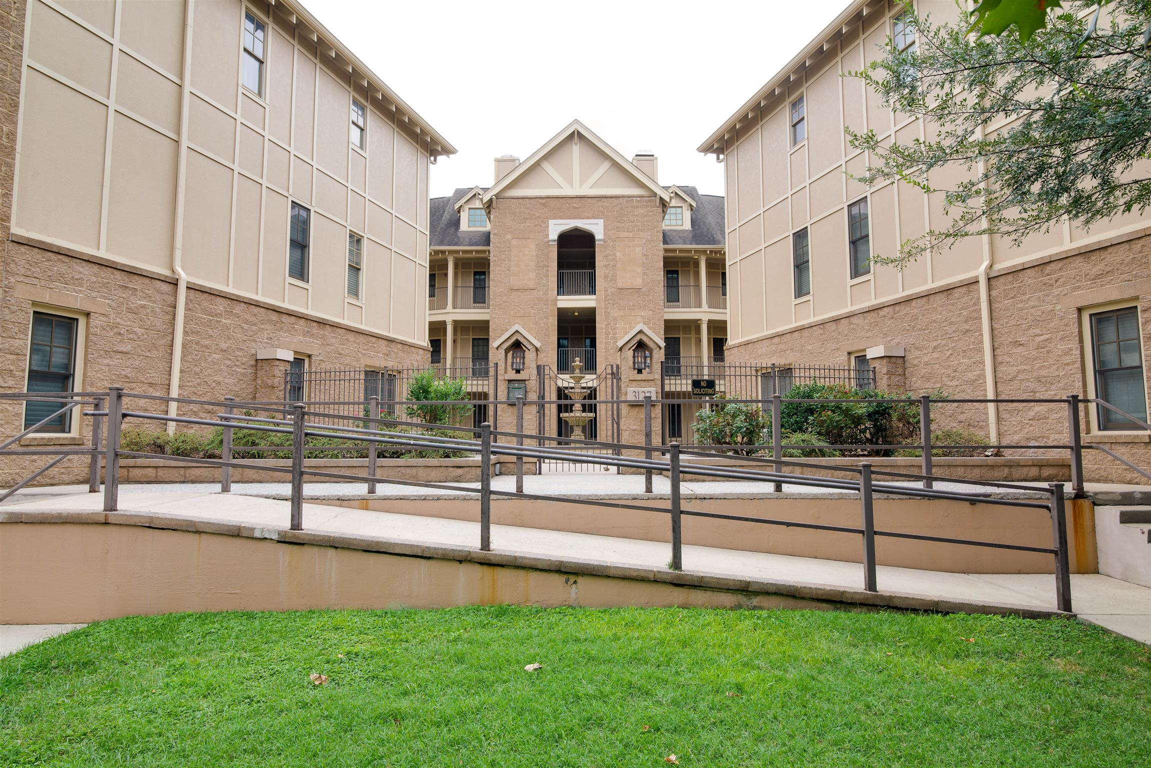 3127 Long Blvd Apt 307, Nashville - Midtown in Davidson County County, TN 37203 Home for Sale