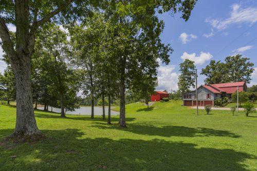 9347 S Lick Creek Road Lyles, TN 37098