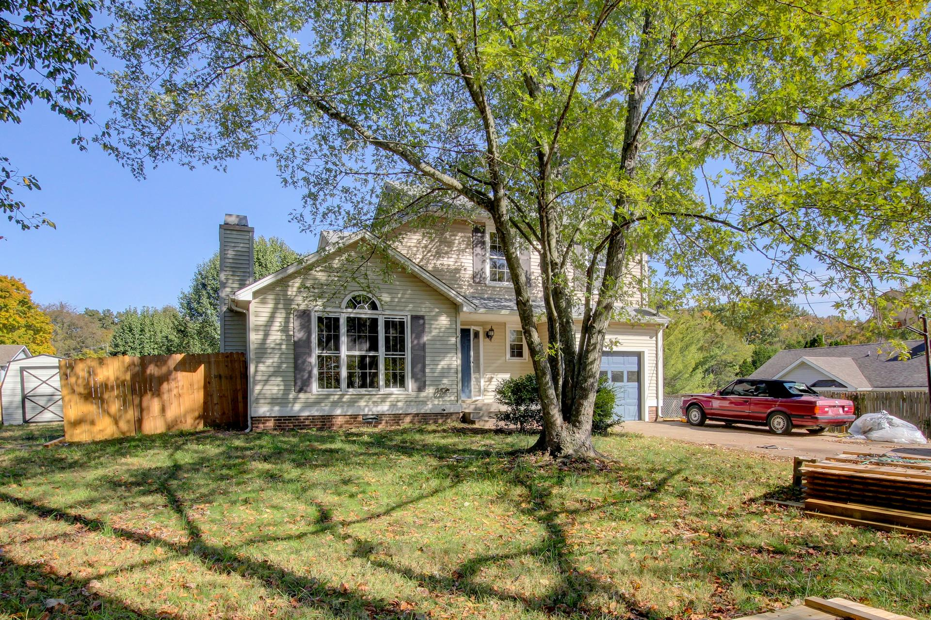 468 Bluff Dr, Clarksville in Montgomery County County, TN 37043 Home for Sale