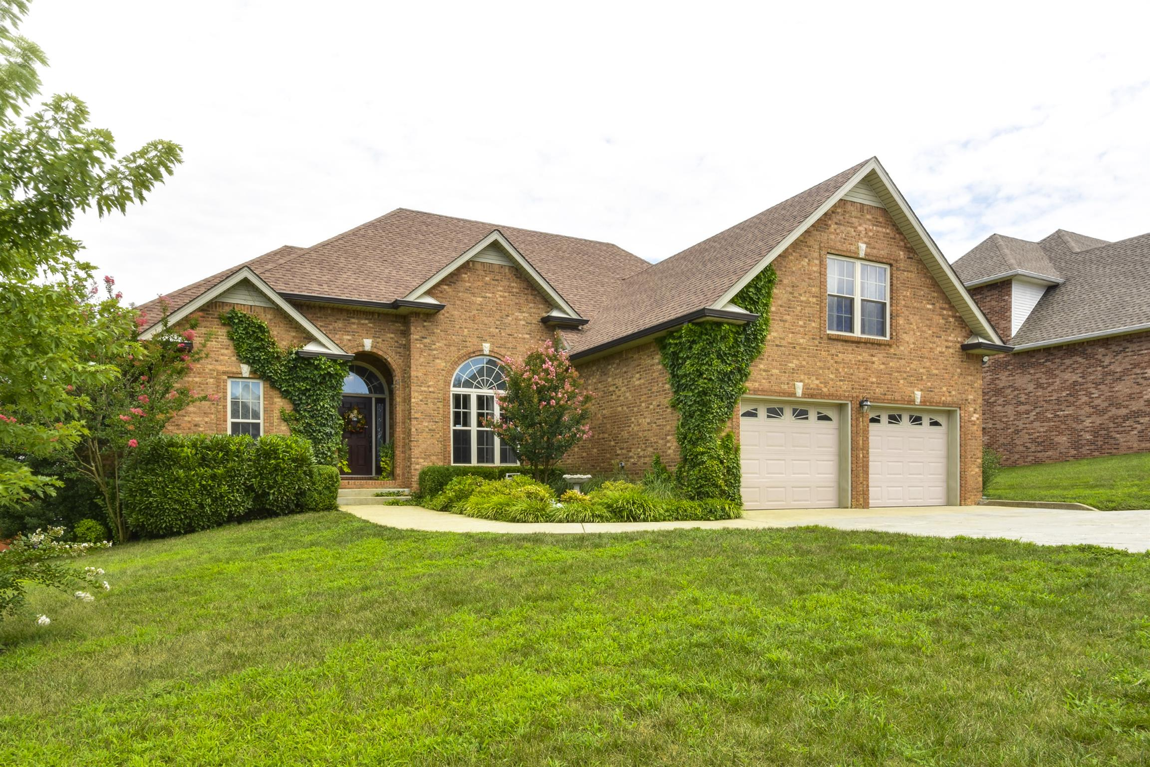233 Spring Terrace Ln, Fort Campbell in Montgomery County County, TN 37040 Home for Sale