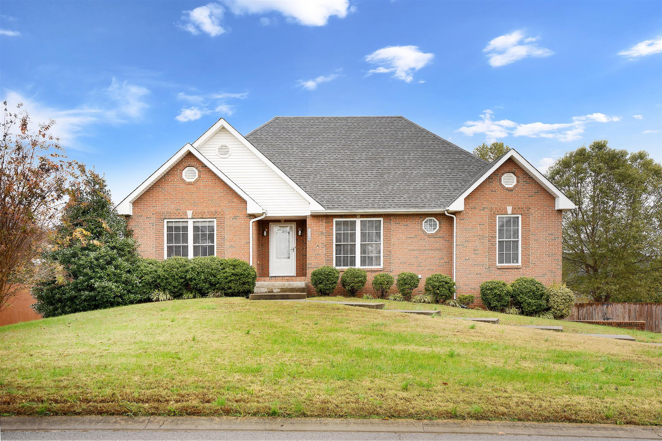 1003 Trevor Dr, Clarksville in Montgomery County County, TN 37043 Home for Sale