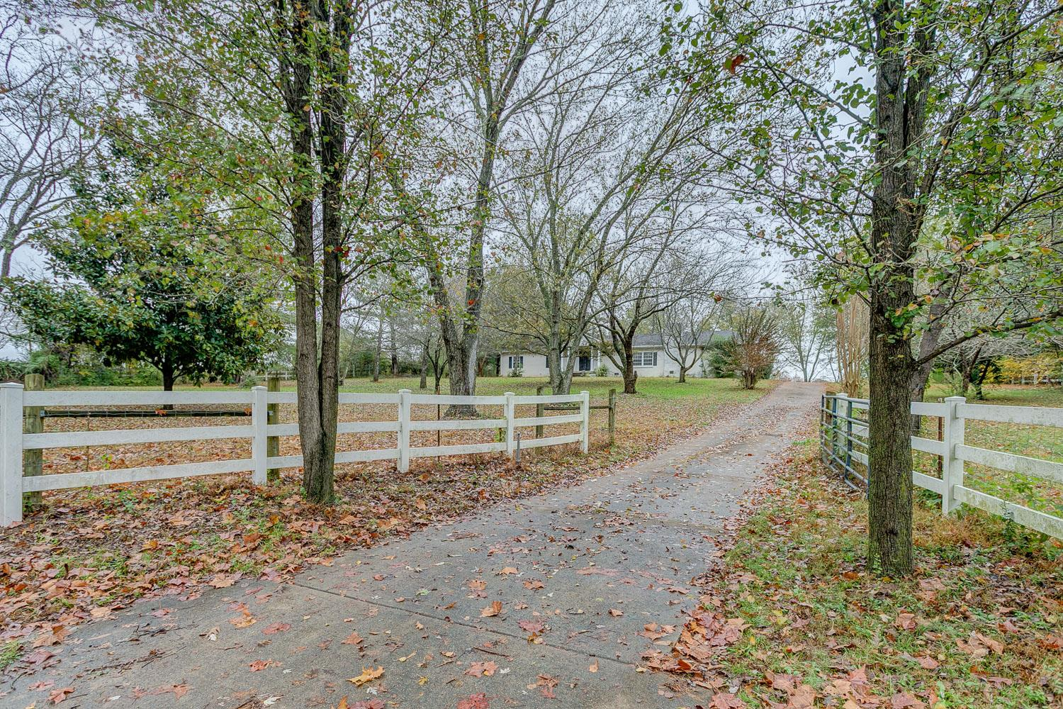 9083 Coles Ferry Pike, Lebanon in Wilson County County, TN 37087 Home for Sale