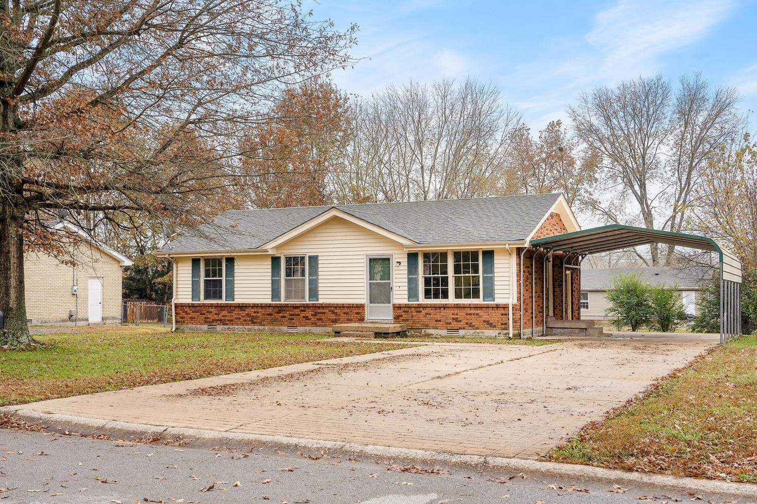 540 Margrave Dr, Fort Campbell in Montgomery County County, TN 37042 Home for Sale