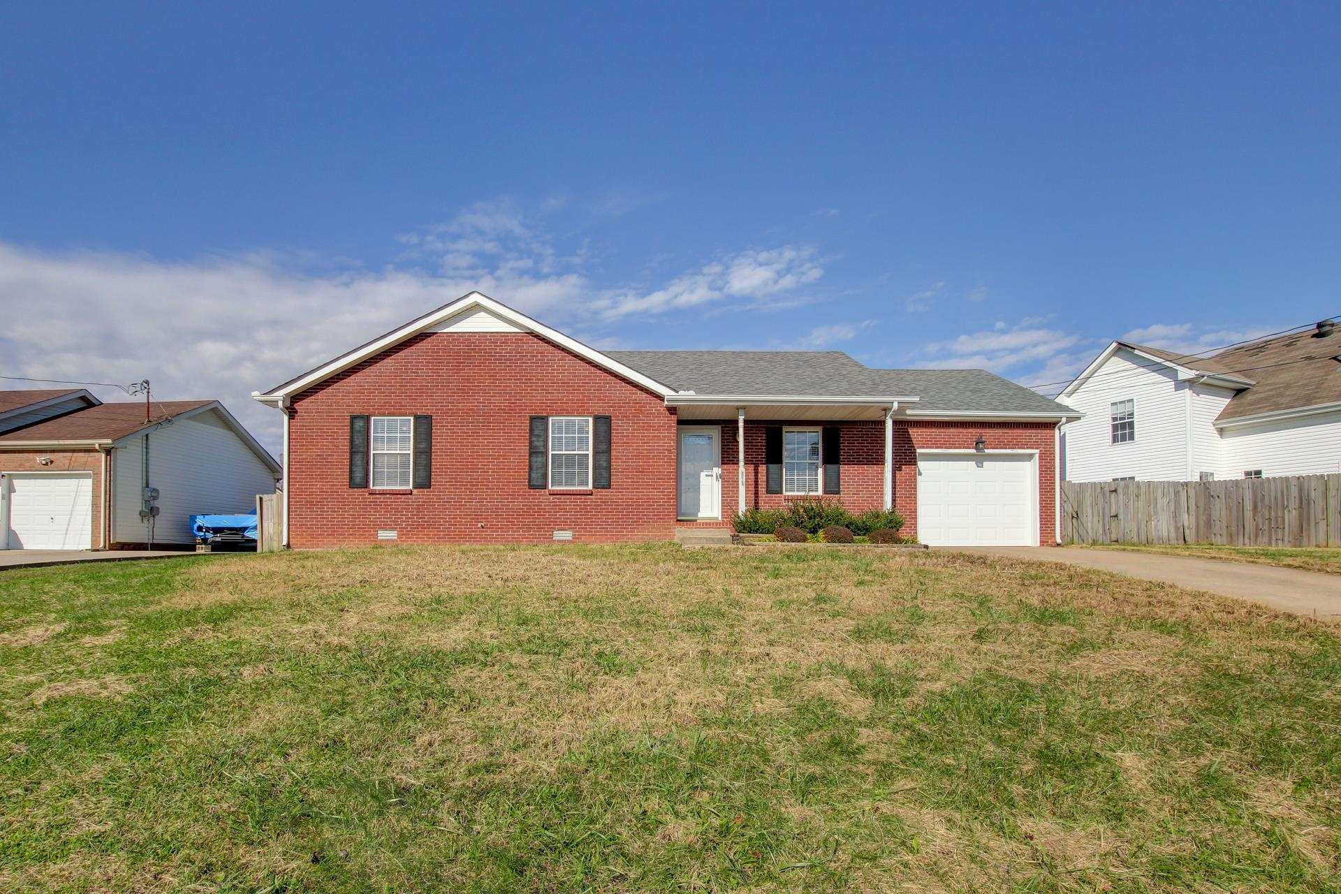 1279 Barbee Ln, Fort Campbell in Montgomery County County, TN 37042 Home for Sale