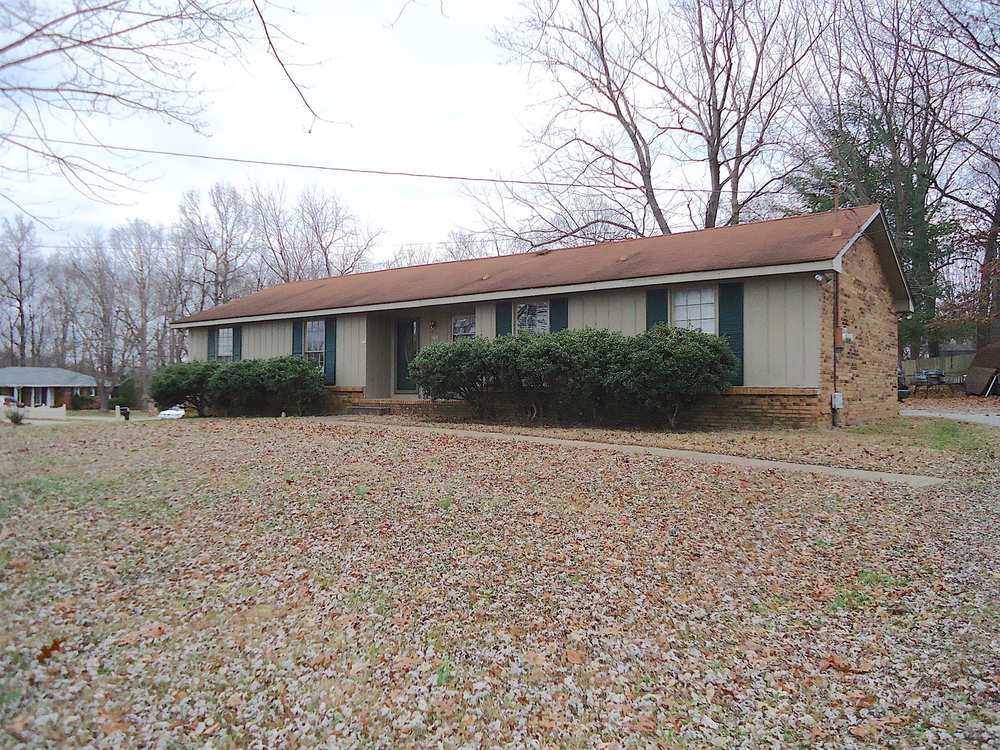 1529 Armistead Dr, Fort Campbell in Montgomery County County, TN 37042 Home for Sale