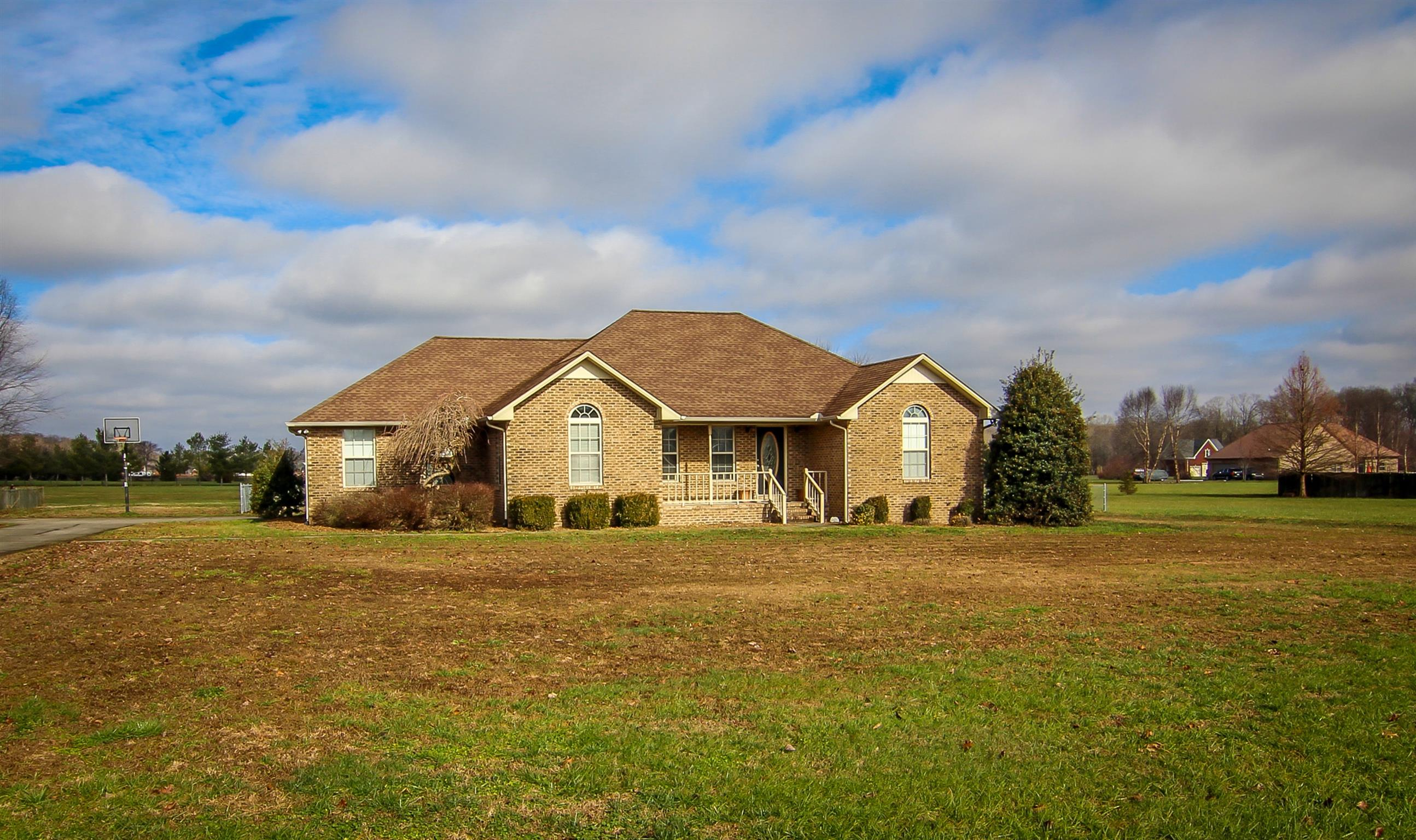 190 Lester Ln, Manchester, Tennessee