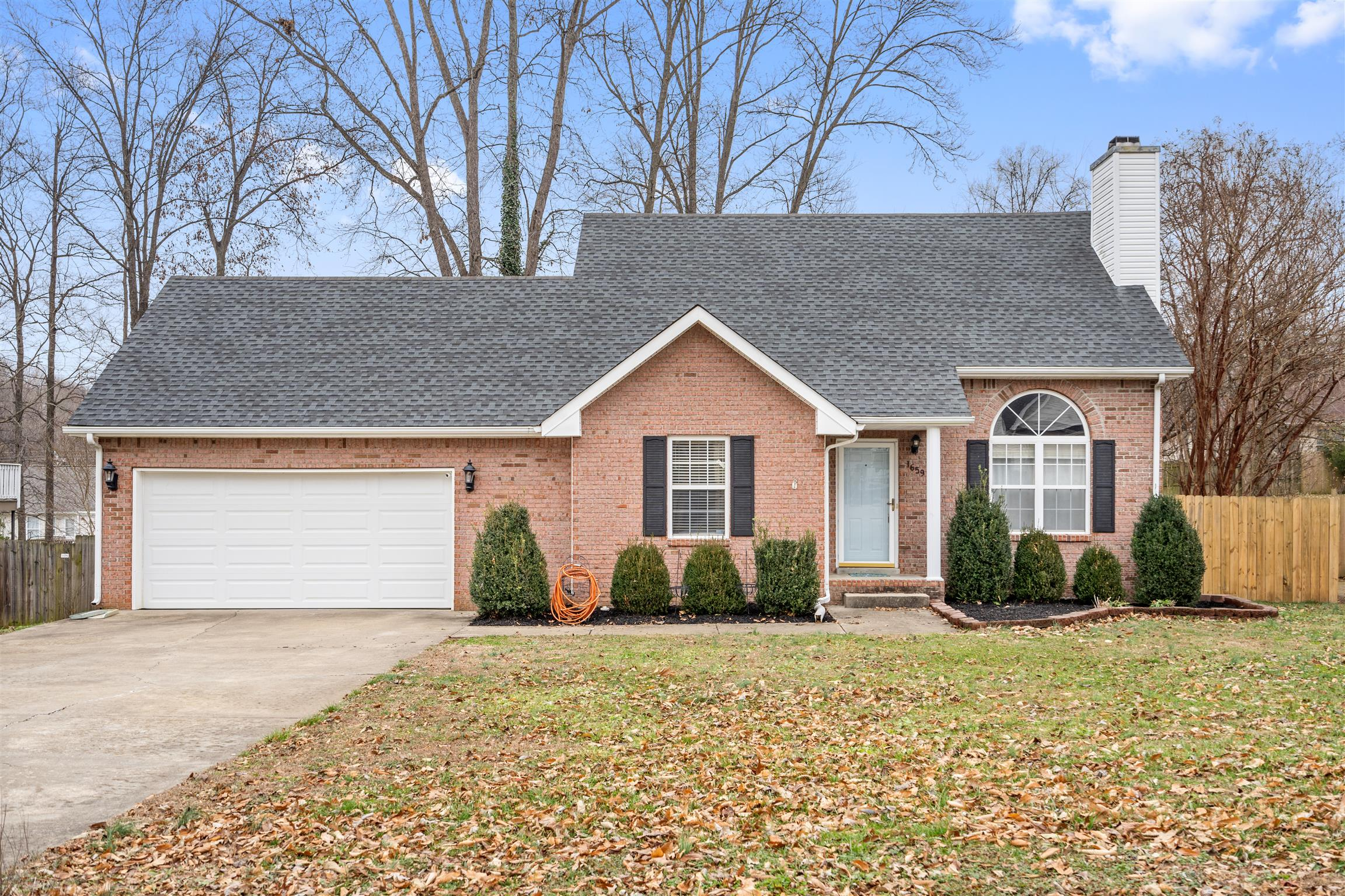 1659 Barrywood Cir E, Clarksville in Montgomery County County, TN 37042 Home for Sale