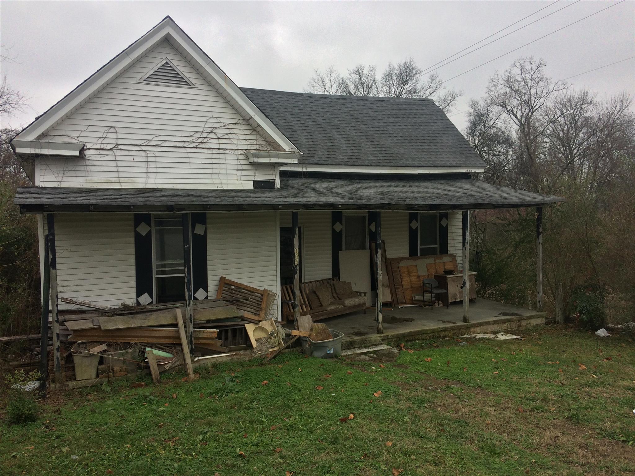 105 Webb St Centerville, TN 37033