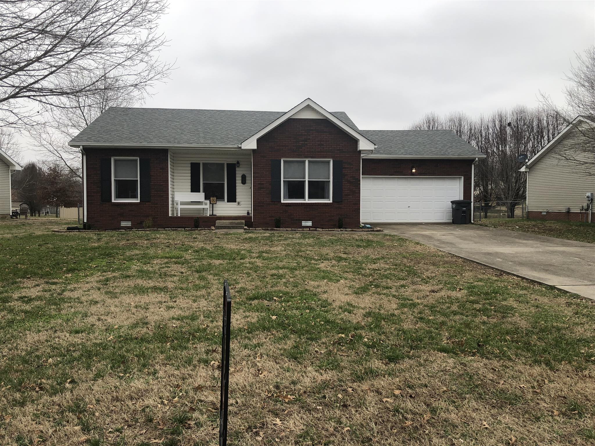 809 Buckhorn Dr, Clarksville in Montgomery County County, TN 37043 Home for Sale