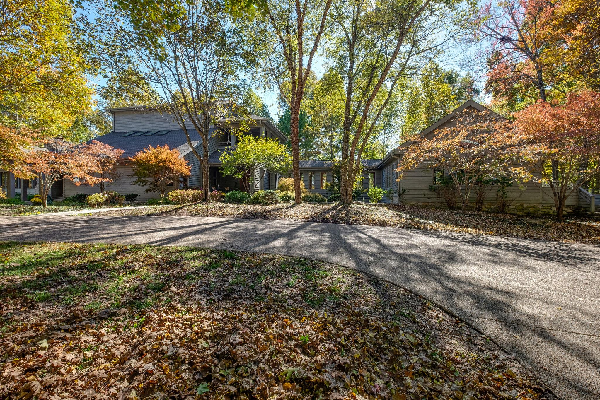 7600 Buffalo Rd, Bellevue, Tennessee 6 Bedroom as one of Homes & Land Real Estate