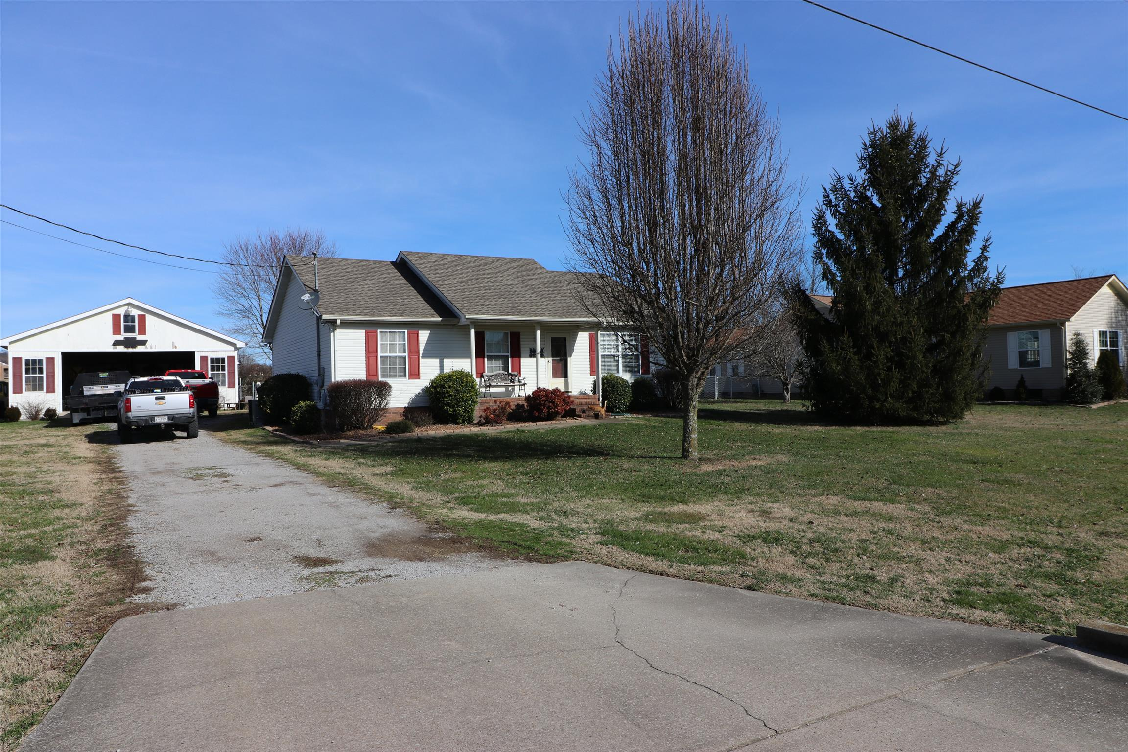 330 Maplewood Dr. Cornersville, TN 37047