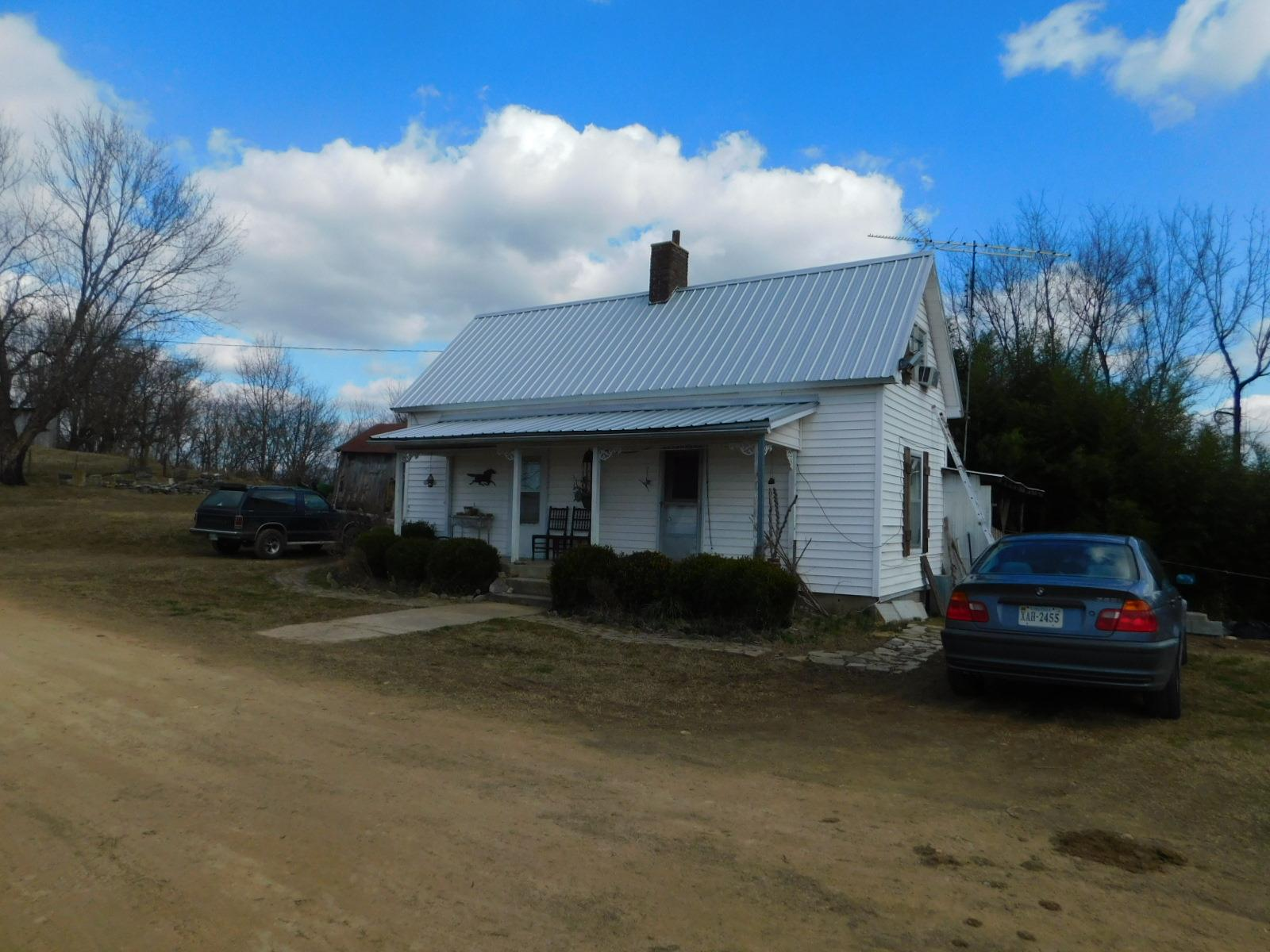 1897 Hatchett Hollow Rd Cornersville, TN 37047