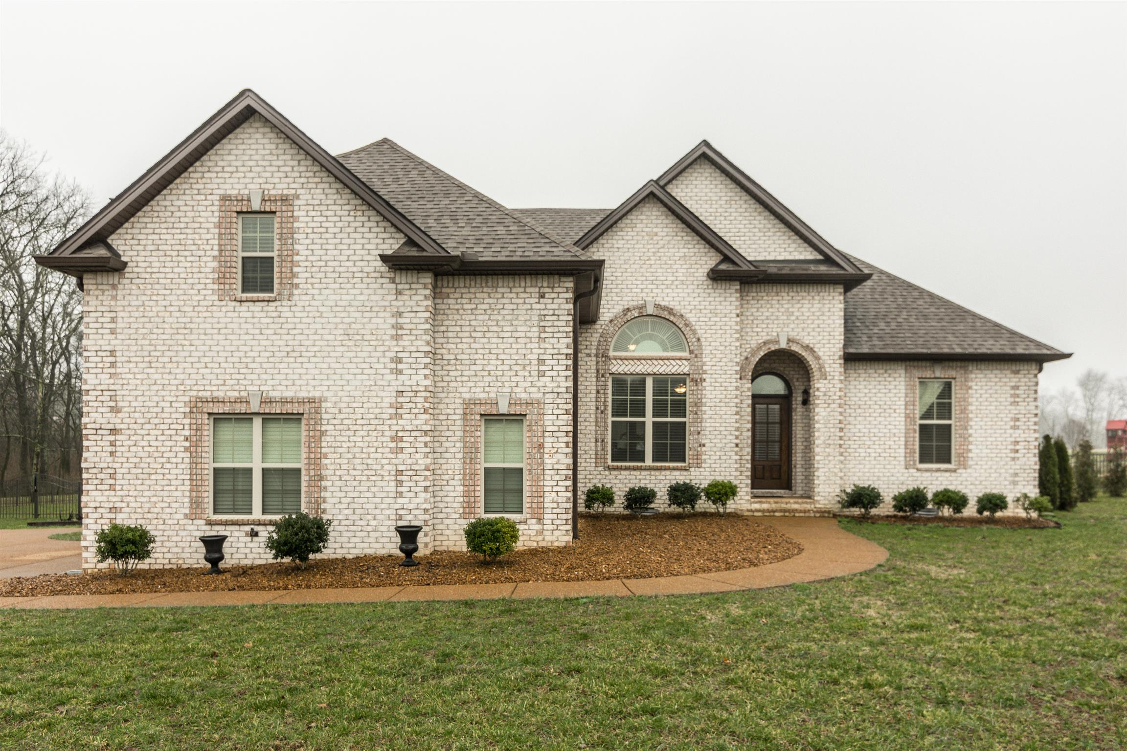 1017 Robert Lee Dr 37066 - One of Gallatin Homes for Sale