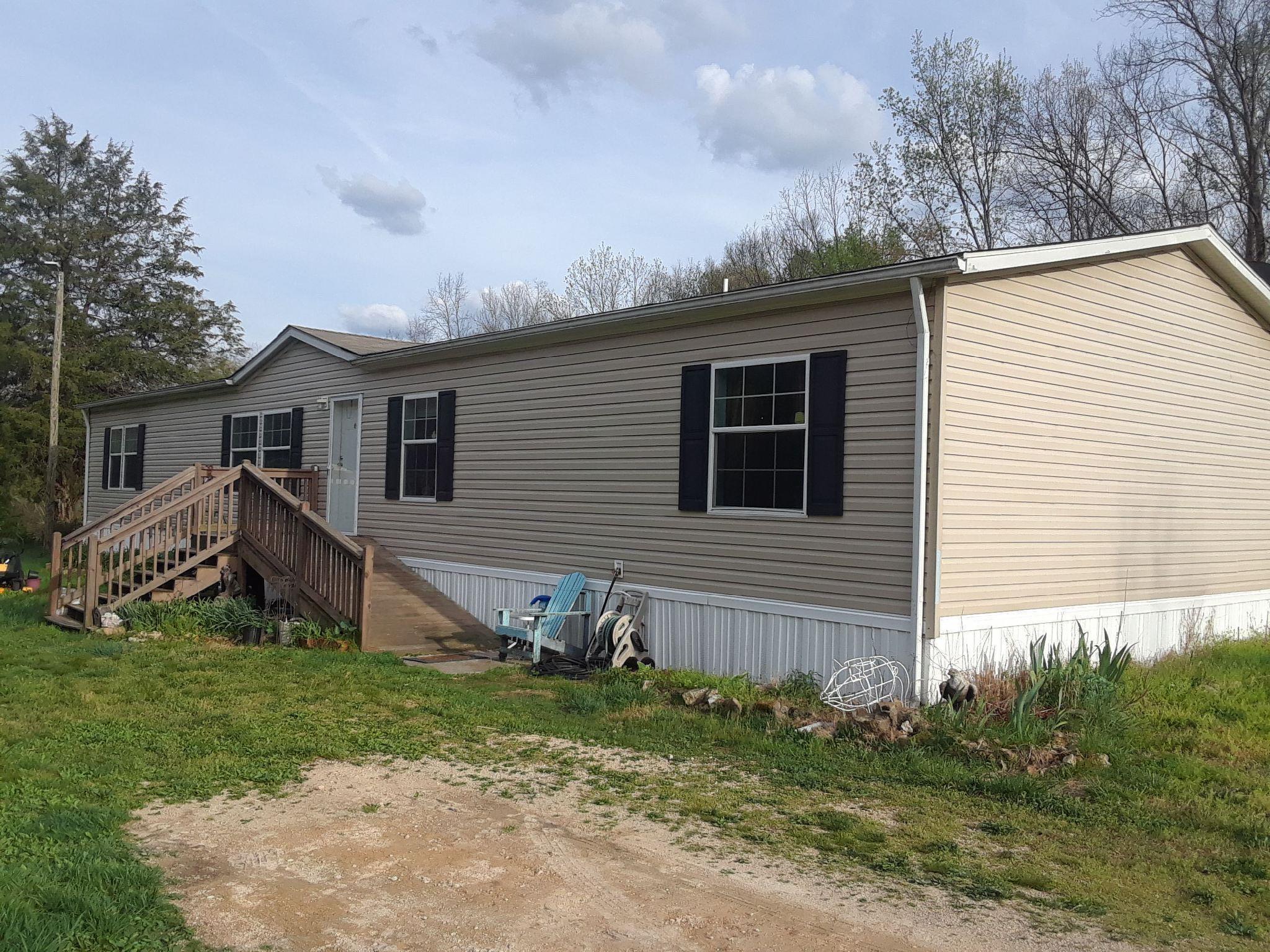 4206 Upper Factory Creek Rd Waynesboro, TN 38485