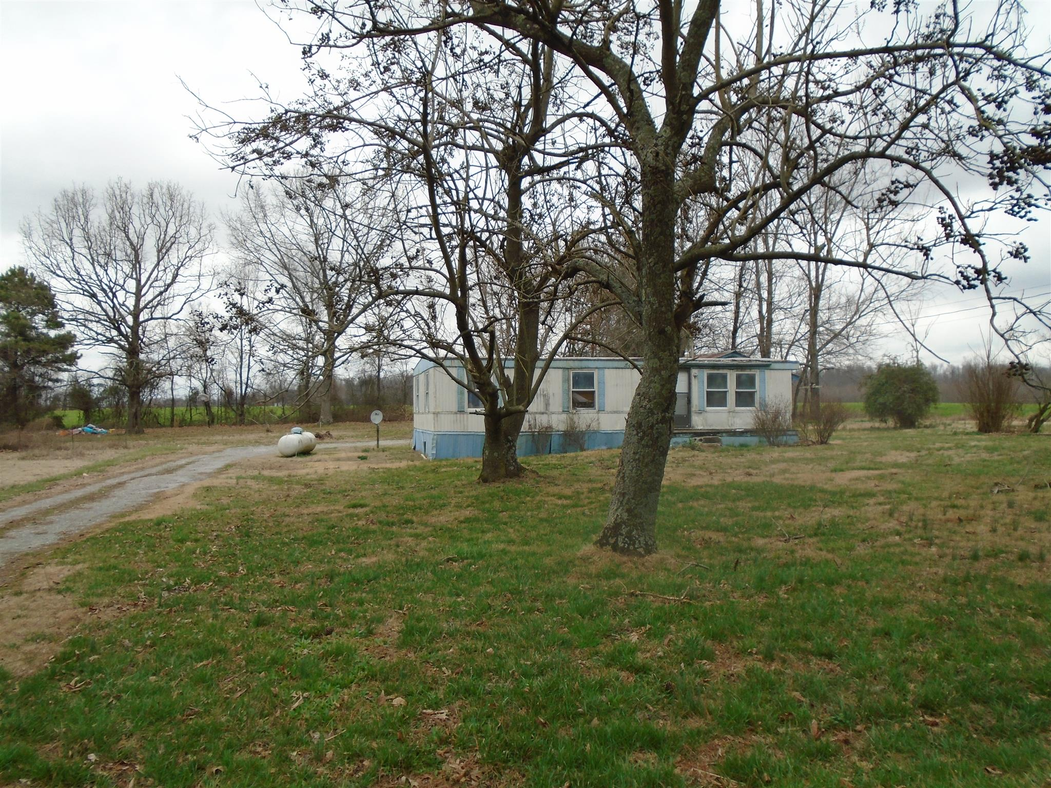 One of Manchester Homes for Sale at 1547 S P Anderson Rd