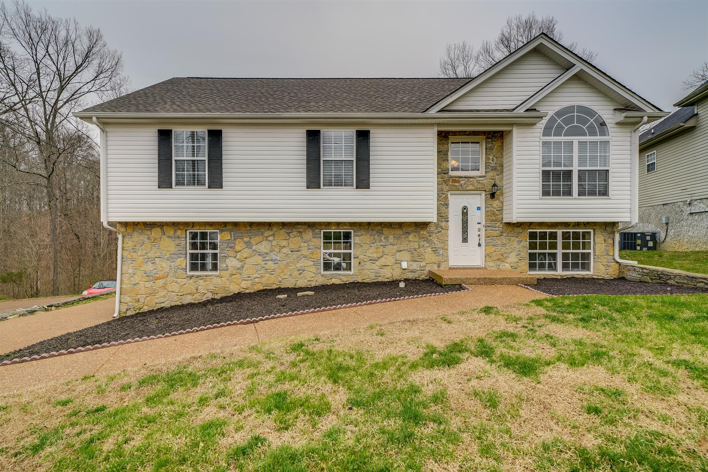 1912 Streamfield Ct, Nashville-Antioch in Davidson County County, TN 37013 Home for Sale