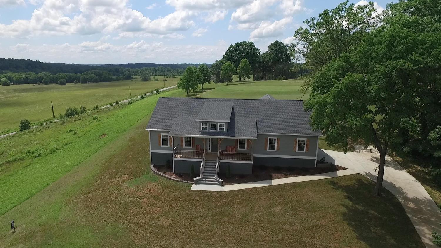 67 Lakeview Dr Summertown, TN 38483