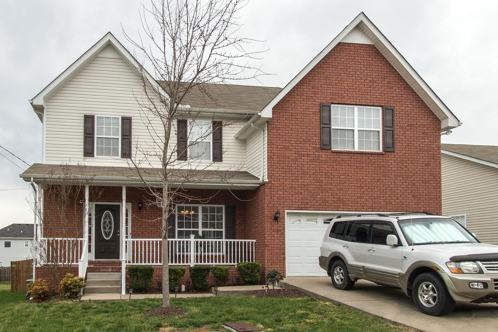 1429 Ohara Dr, one of homes for sale in Nashville-Antioch