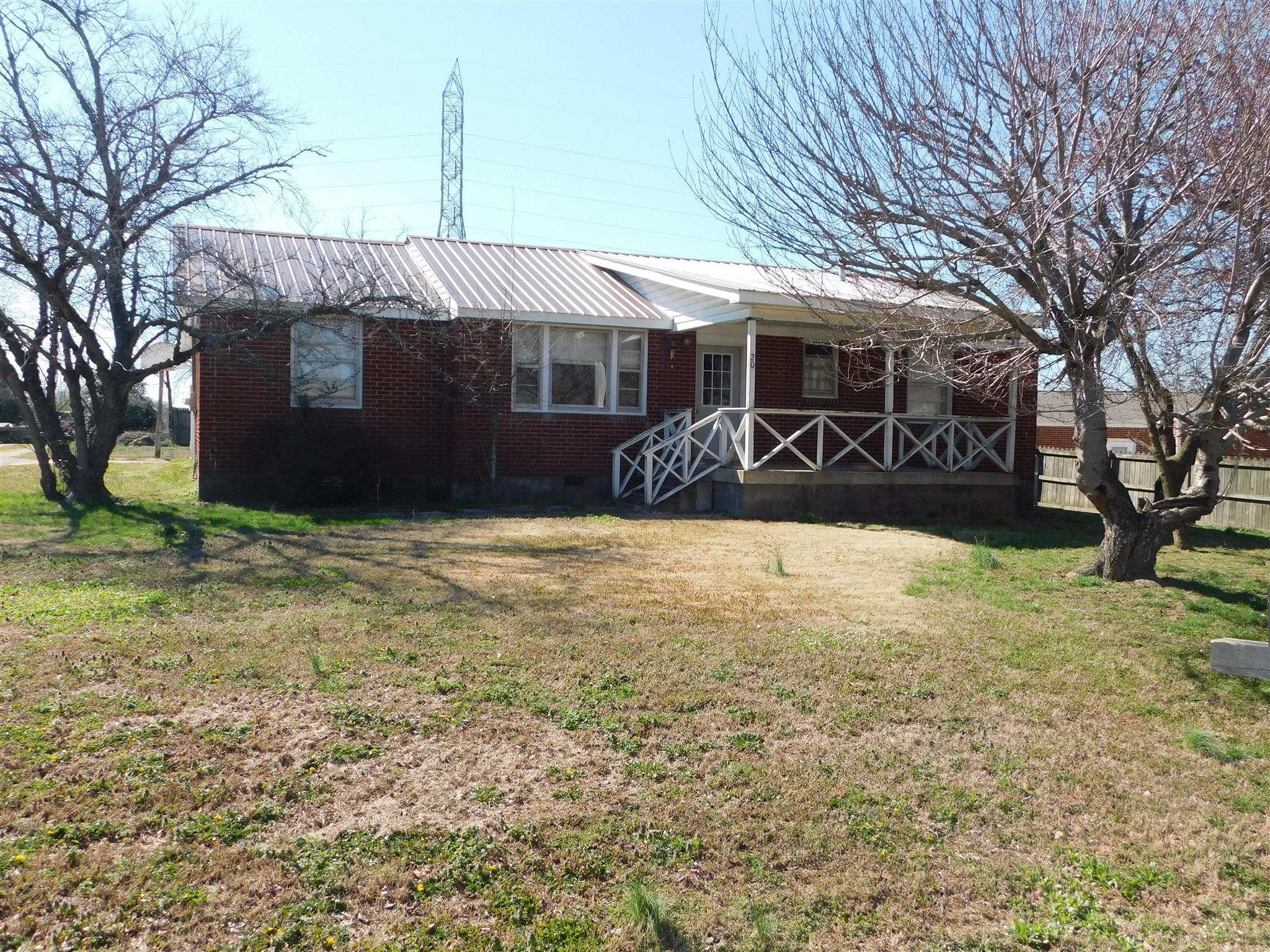 208 Wyly Dr New Johnsonville, TN 37134