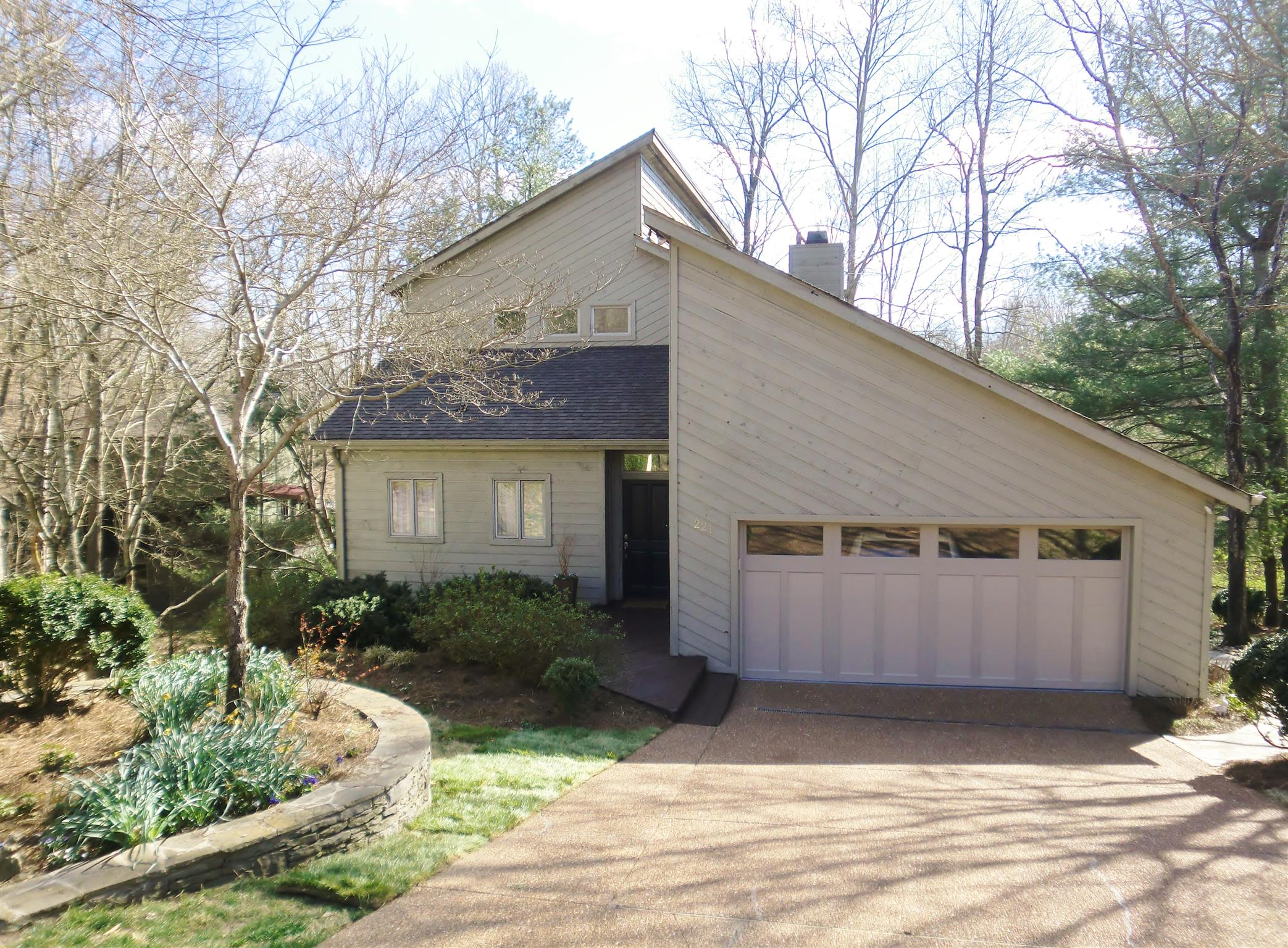 221 Harpeth Wood Dr, Bellevue in Davidson County County, TN 37221 Home for Sale