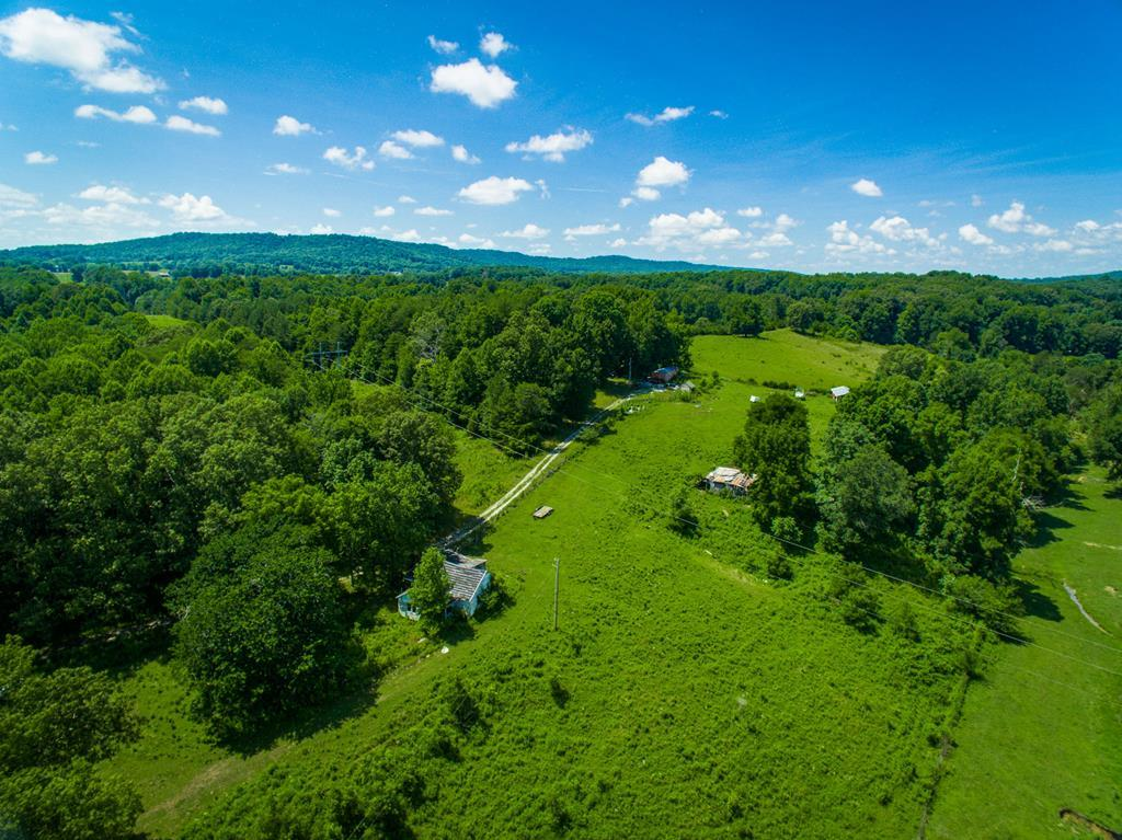 10712 Mcminnville Hwy Quebeck, TN 38579