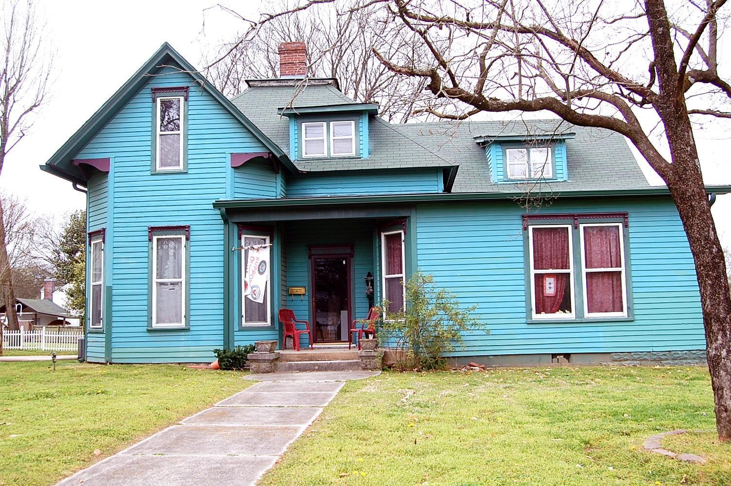 503 N Main St Mount Pleasant, TN 38474
