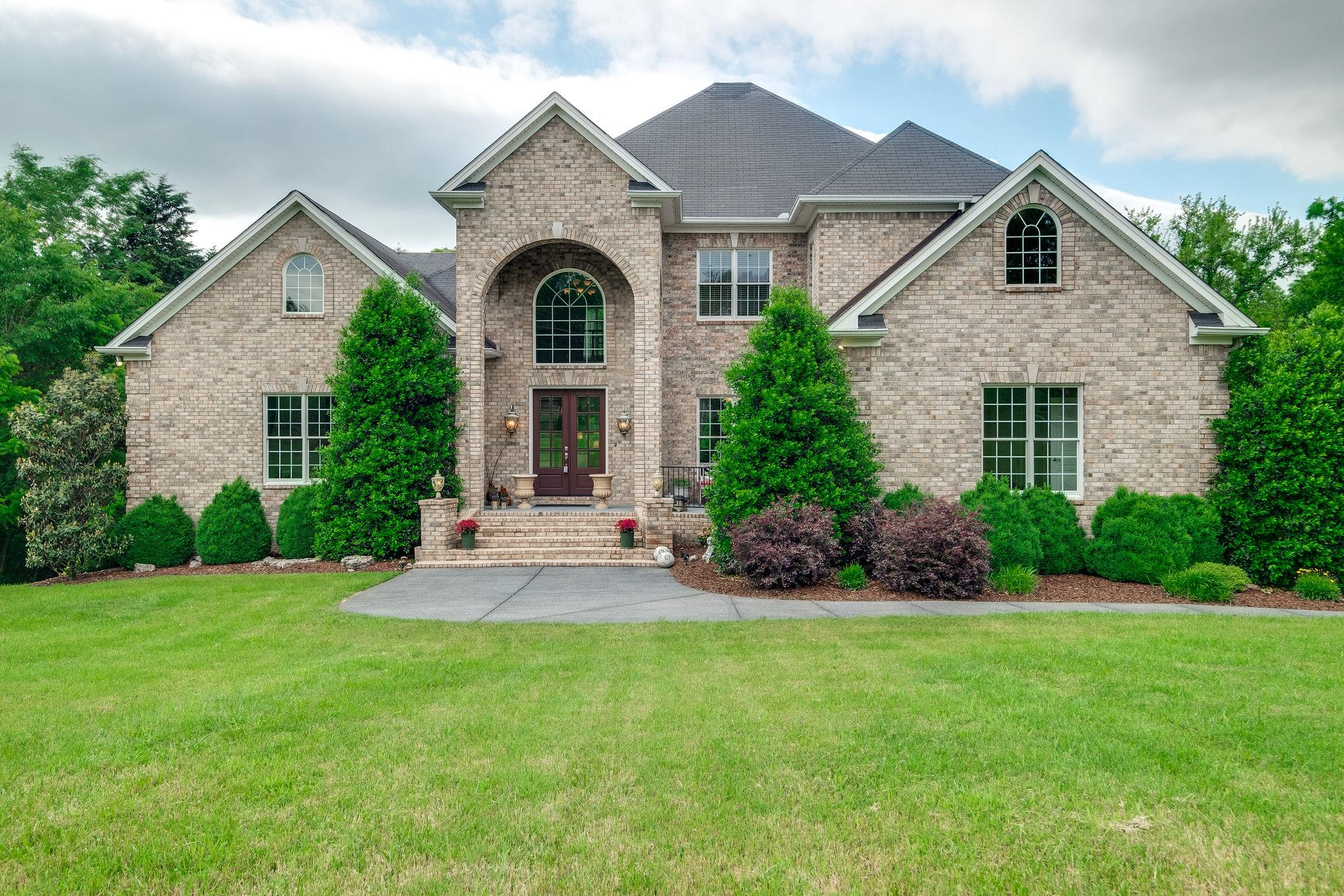 1146 Stirlingshire Dr Hendersonville, TN 37075