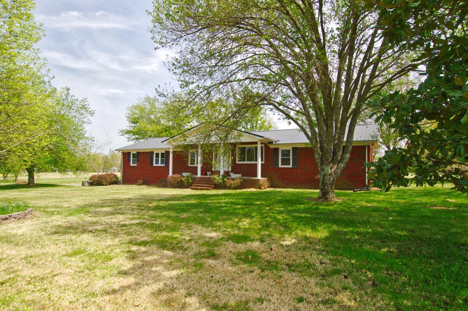 165 Davenport Ln Bradyville, TN 37026