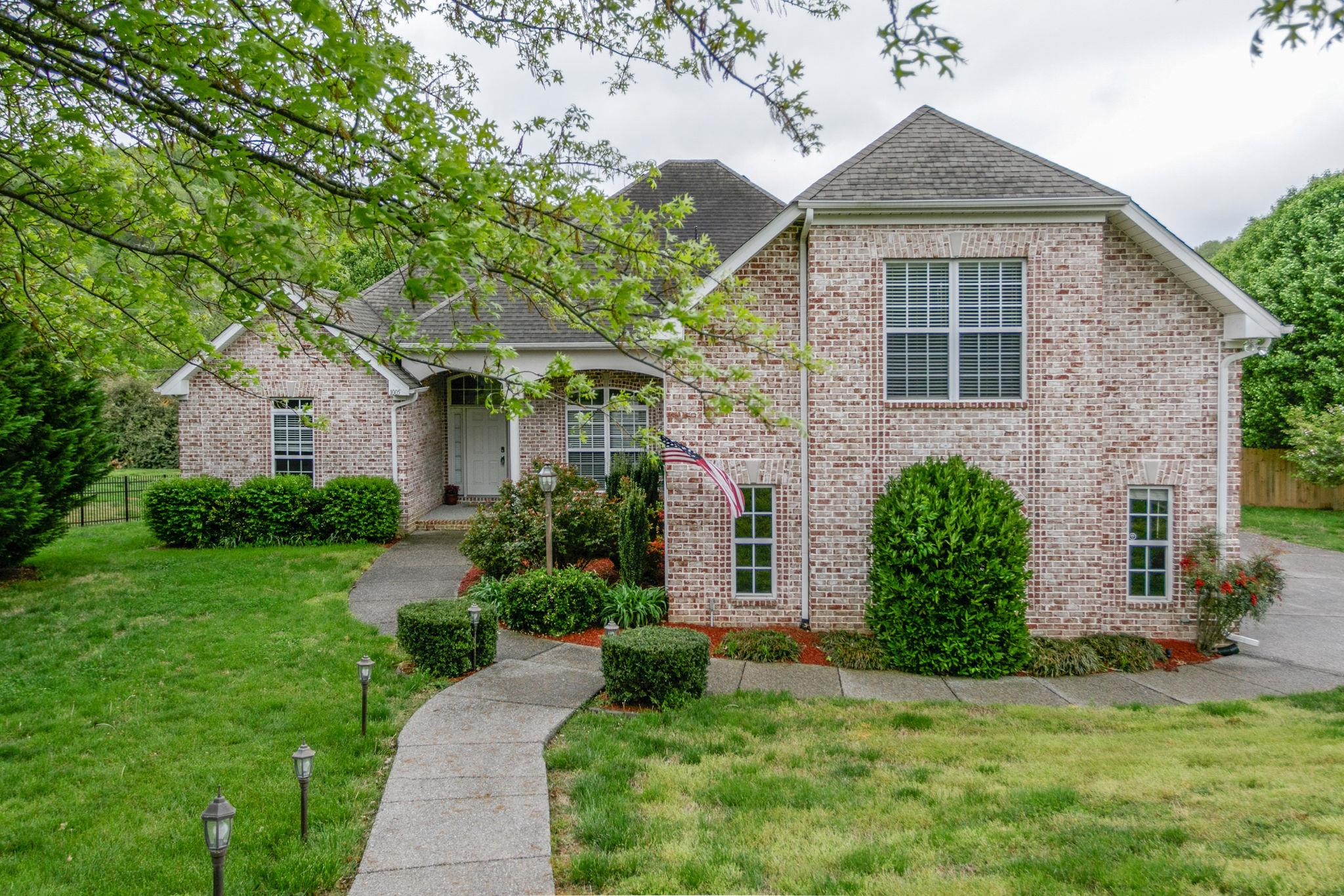 1005 Winton Ct, Hendersonville in Sumner County County, TN 37075 Home for Sale