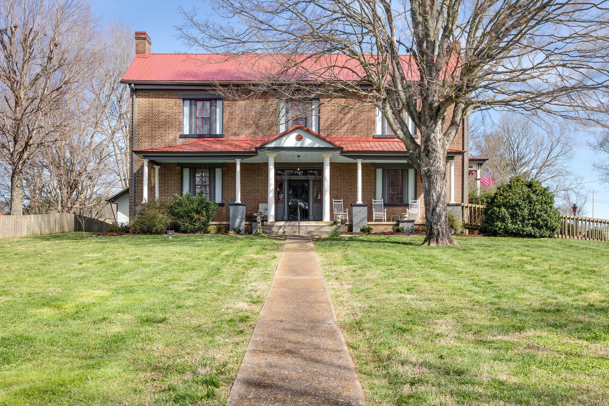 753 Carters Creek Pike, Columbia, Tennessee